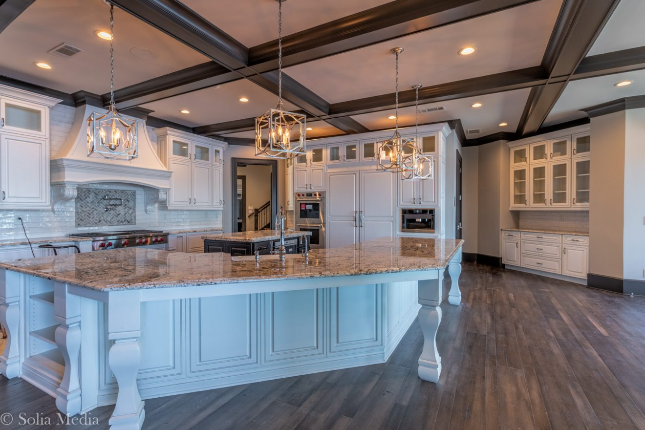Preissless Design Interior Design - Lake Oconee property - Kitchen - photography by Solia Media